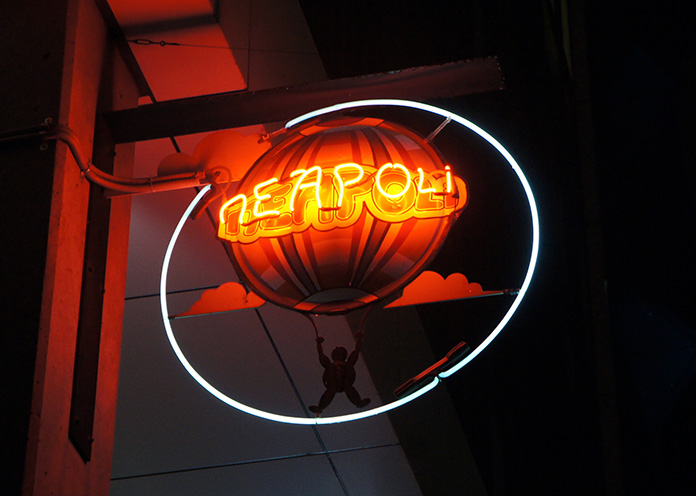 neon sign melbourne neapoli hot air balloon