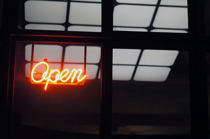 neon sign melbourne open